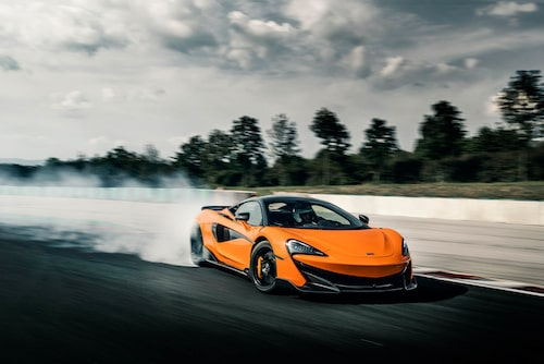 Inte det mest effek tiva spårvalet kanske, men McLaren 600LT är ytterst välbalanserad och uppmanar till diverse körlekar.
