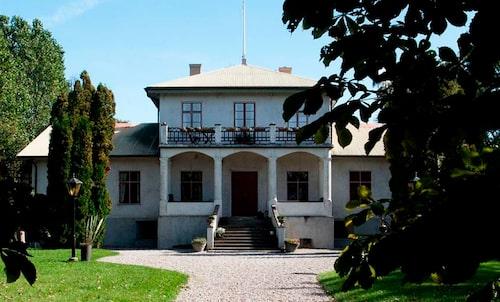 Pensionatet Grå Gåsen, känt från Så Mycket Bättre, ligger nu ute till försäljning.