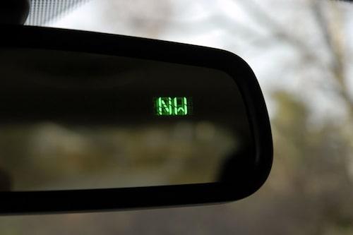 Väljer du automatiskt avbländbar backspegel kan du för 300 kronor extra få en kompass.