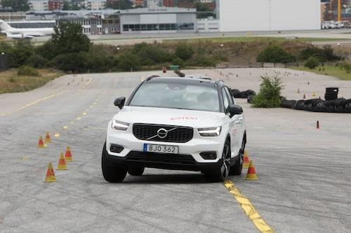 Volvo XC40 tar sin an Teknikens Världs älgtest.