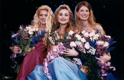 I Fröken Sverige-finalen 1993. Victoria kom på andra plats.