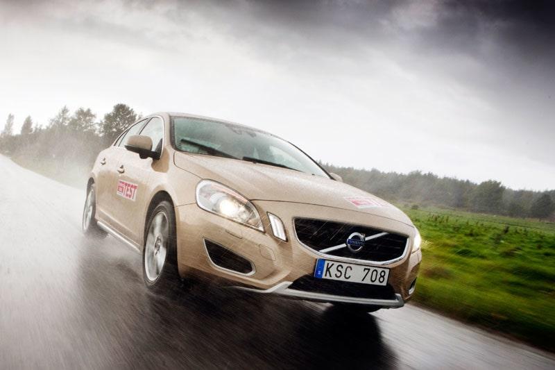 Nya Volvo S60 i test mot Audi A4, BMW 3-serie och Mercedes C-klass.