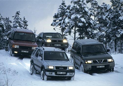 Nissan Patrol, Opel Frontera, Range Rover och Toyota Land Cruiser