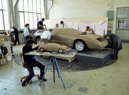 En underbar bild från arbetet med lermodellen, som startade redan 1967.