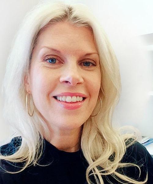 Damernas Världs redaktionschef Jenny Bergquist har testat en SOS-kur för färgat hår.