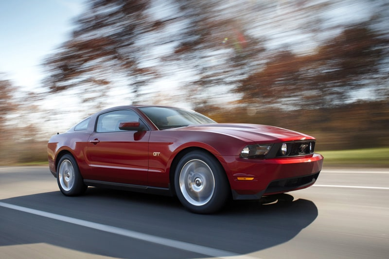 081118-ford-mustang-2010