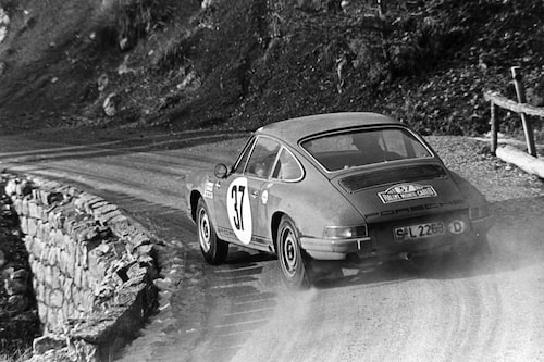 1969 fick Björn chansen att köra fabriksbil för Porsche i Monte Carlo. Han vann och rallykarriären tog fart på allvar. Björn segrade även året därpå i Monte Carlo-rallyt.