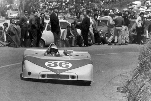 Inte bara rallybilar. Här i en sportvagnsprototyp, Porsche 908/3, som utvecklades enbart för tävlingar som Targa Florio (bilden) och Nürburgring.