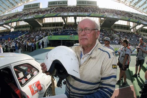 Efter den riktiga karriären har Björn på senare år kört historisk rally. Här i Grekland 2006. Sin födelsedag, 12 november, firar han med förberedelser för det historiska Safarirallyt.
