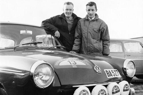 Här fortfarande 1965, kartläsaren t h heter Lars Nyström, även han framgångsrik i rally men främst rallycross.