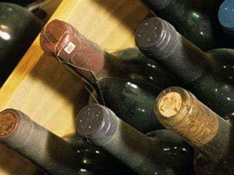 """<p><span class=""""text10px"""">Som v&auml;ntat var det mogna kvalitetsviner fr&aring;n Bordeaux som gav de h&ouml;gsta buden.</span></p>"""