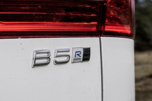 Provkörningsbilen har R Design-paket och fyrhjulsdrift samt mildhybridsystem.