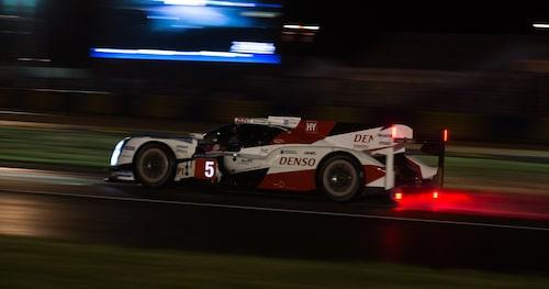 Toyotas bil nummer fem var på väg mot seger, men höll inte hela vägen in i mål.