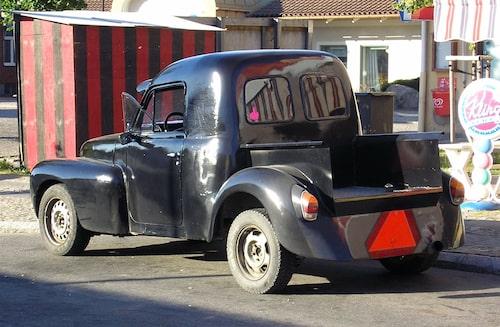 Det är inte helt ovanligt att A-traktorer har dubbla växellådor, en med låsta växlar för att visa upp vid besiktning och för polisen, och en med fullt antal växlar som tillåter höga hastigheter. Liksom A-traktorn på översta bilden var inte heller EPA-traktorn på denna bild involverad i polisjakten.
