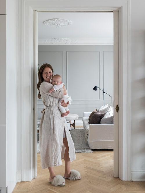 Denice Fältman med lilla dottern Nicole.