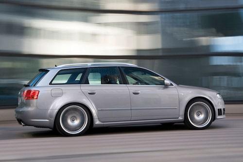 Audi RS4 Avant generation 2