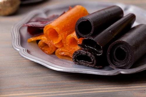 Gula ellerblåa vindruvor blir gott fruktläder eller fruktremmar. Mixa gärna med andra frukter för fler varianter.