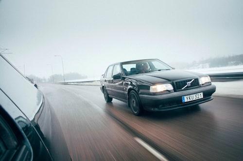 En snudd på unik Volvo. Endast 2 516 stycken svarta 850 T-5R tillverkades modellår 1995.