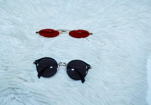 """""""Röda solglasögon från Gentle Monster."""""""