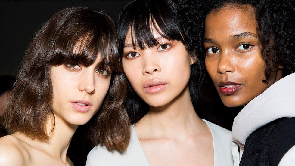 Snygga frisyrer för kort, långt och mellanlångt hår 2021 – hitta rätt klipp, vare sig du är 20+, 40+, 50+, eller 60+.