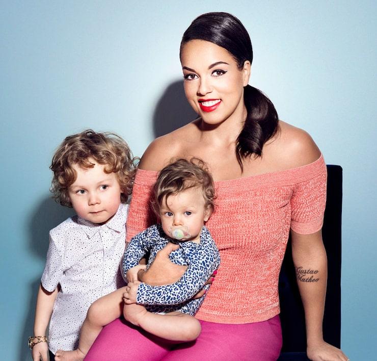 mamabloggaren Elaine Eksvärd med barnen Matheo och Evelyn. Foto: Karl Nordlund