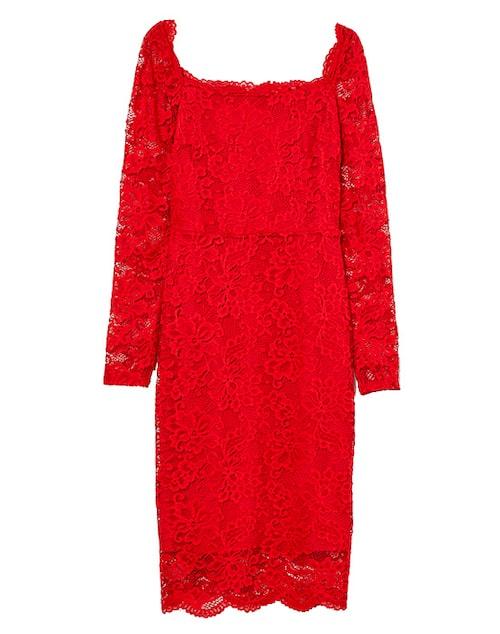 Röd spetsklänning till julen 2019.