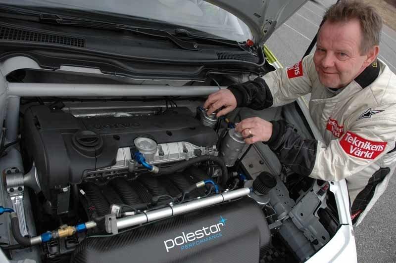 PeO Kjellström verkar gilla Volvos etanolmatade motor.