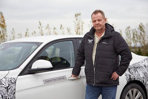 PeO Kjellström var enda svenska motorjournalist som fick provköra 3-serie plug-in hybrid.