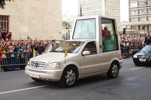 2002 Mercedes ML 430, påve Johannes Paulus II