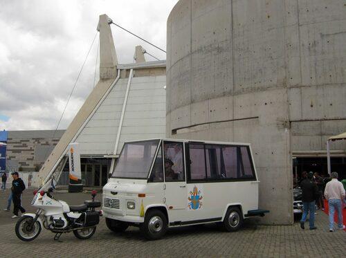 1987 Mercedes-buss, påve Johannes Paulus II