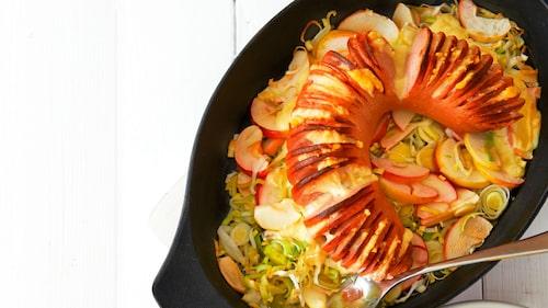Recept på falukorv med äpple, purjolök och kålrotsstomp