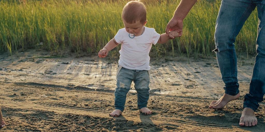 Plötsligt är det bara pappa som duger för 1-åringen. Har jag brustit i min emotionella närvaro? undrar mamman. Vad innebär det egentligen att vara känslomässig eller emotionellt närvarande? Barnpsykologen svarar.