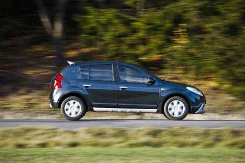 Det är många som vänder sig om när de ser Dacia Sandero eftersom det är en ny modell på den svenska marknaden.