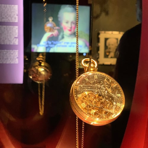 Originalklockan visas på LA Mayer-institutet i Jerusalem.