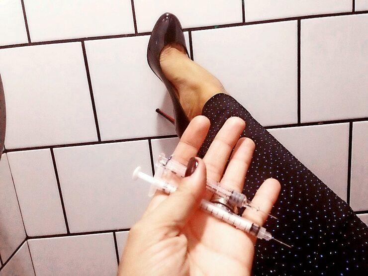 Johanna Kajson tog IVF-sprutor på toaletten på utestället Berns i Stockholm.