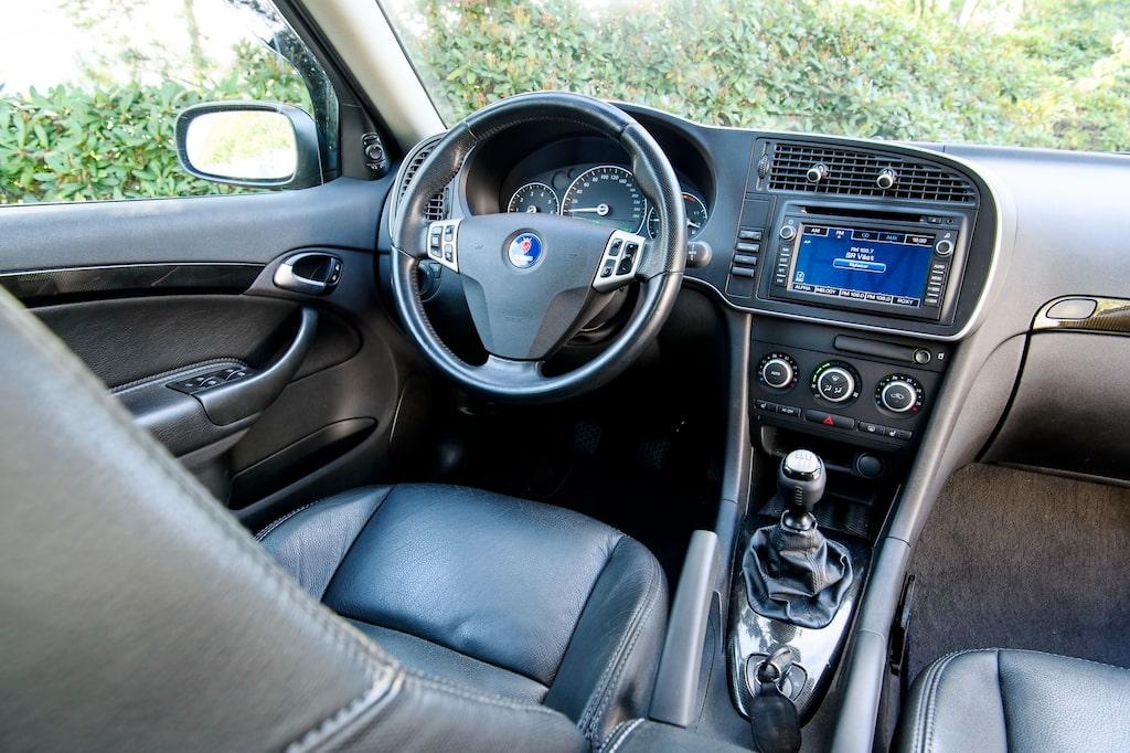 """Sitt in och """"buckle up"""", Turbo X är en mix av långfärdsraket och stygg effektiv kurvsmiskare."""