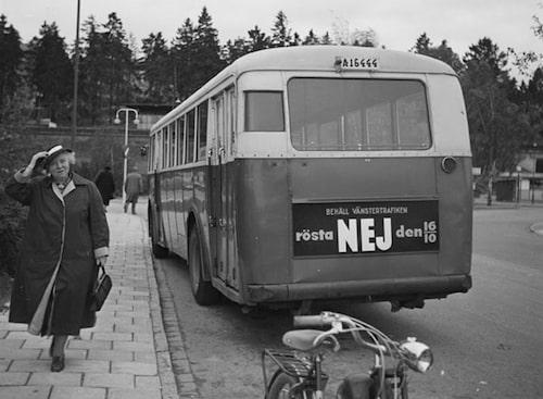 Affisch inför folkomröstningen om högertrafik 1955. Källa: Stockholmskällan