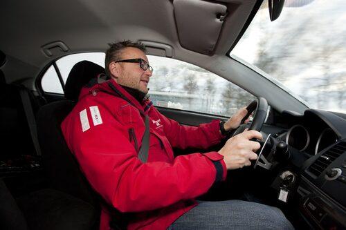 Hans Hedberg trivs bakom  ratten på Mitsubishi Sportback Ralliart.