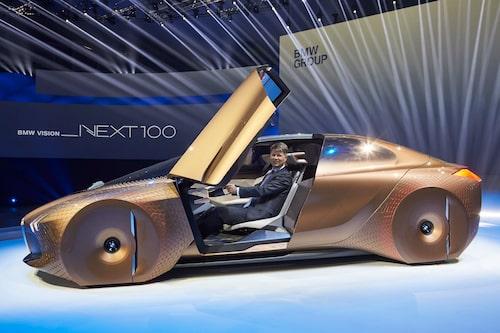 BMW Vision Next 100 ser förhållandevis klumpig ut.
