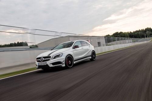 """Så här ser Mercedes A 45 AMG ut i """"Edition 1""""-utförande. Ett stylingkit som kostar 60000 kronor i Tyskland."""