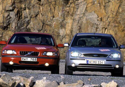 Volvo S60 2,4 och Ford Mondeo 2,0