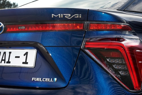 Japanska biltillverkare brukar döpa bilar efter allt möjligt. Men Mirai betyder helt enkelt framtid. Enkelt.