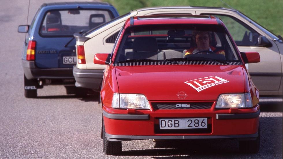 Ett gäng Kadetter i test 1984, Björn Sundfeldt är inte sen at ta plats i sportiga GSi.