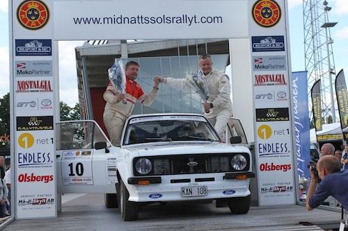 ...Mikael Oscarsson i en Ford. Många…