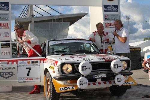 ... namnkunniga förare kom till start, däribland Hannu Mikkola med kartläsare Arne Hertz, här på bild.