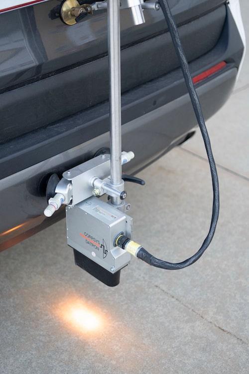 Toyota använder ett ljusbaserat system för att mäta hastighet och sladdvinkel.