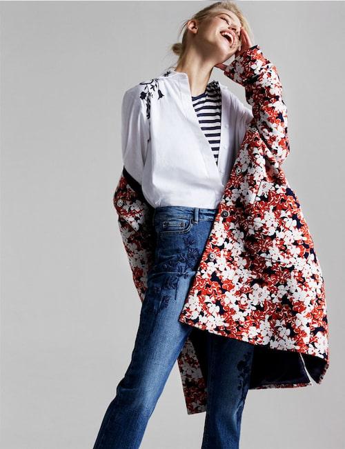 Kappa av ull/polyester, stl 34-44, 6 995 kr, från Marimekko. Broderad skjorta av bomull, stl XS-XL, 1 399 kr, från Stylein. Randig T-shirt av linne/silke, stl S-XL, 835 kr, från Woolrich. Jeans med brodyrdetaljer, av bomull/elastan, stl 34-54, 399 kr, från Lindex.