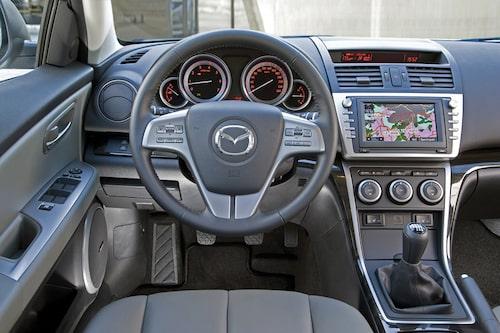 """Mazda 6 är fortfarande mycket av """"förarens bil""""."""