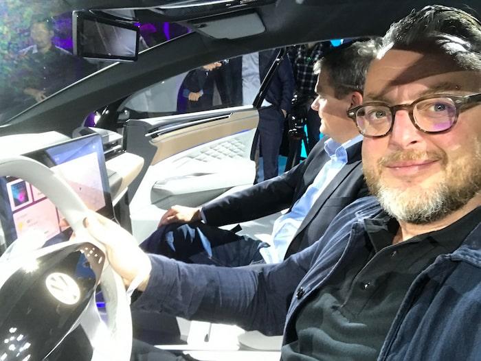 Teknikens Världs Hans Hedberg befinner sig på bilsalongen i Los Angeles där han bland annat spanar in Volkswagen ID. Space Vizzion. Bläddra för fler bilder från salongen.