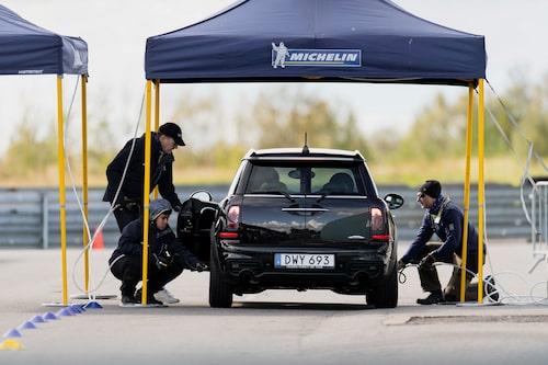 Viktigt! Håll koll på däcktrycket, kan göra underverk för tiondelarna och bilens beteende.